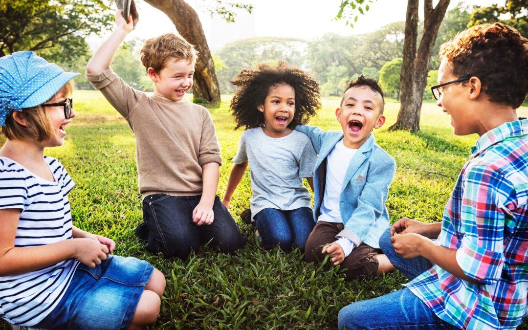 7 dicas práticas para ajudar a desenvolver habilidades sociais em crianças