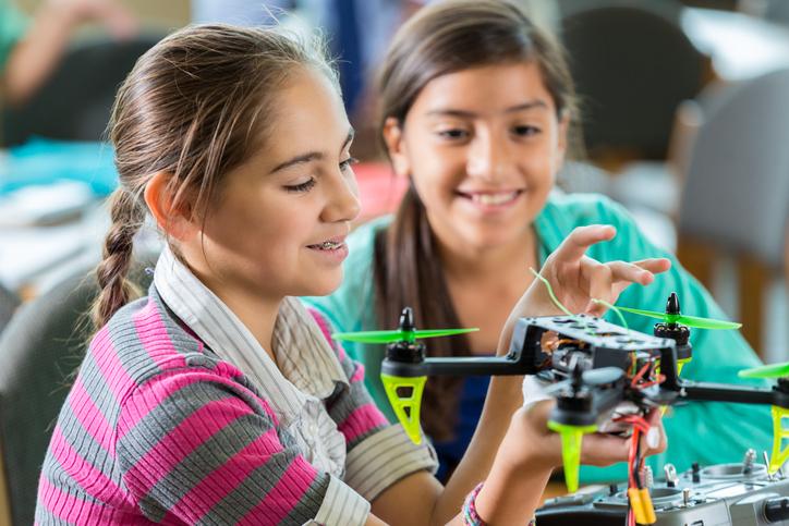 Por que matricular seu filho em um curso de robótica com drones?